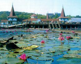 Термальное озеро Хевиз в Венгрии