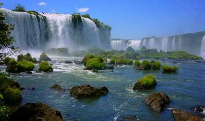 Удивительный водопад Игуасу (Iguazu Falls)