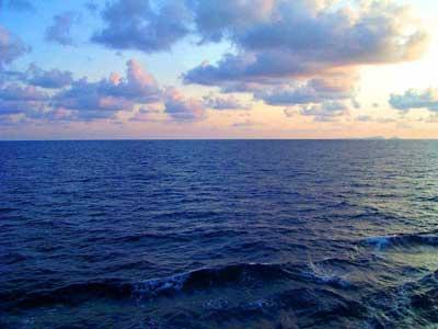 Cамый большой и глубокий океан фото 1