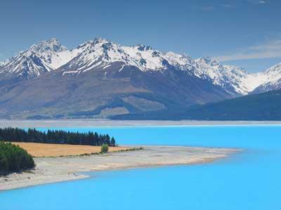 Озеро Пукаки - цветное озеро